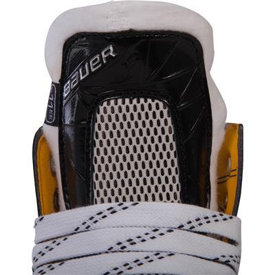 (Bauer Supreme 1S Ice Hockey Skates - Youth)