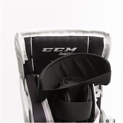 (CCM Extreme Flex E3.9 Goalie Leg Pads - Intermediate)