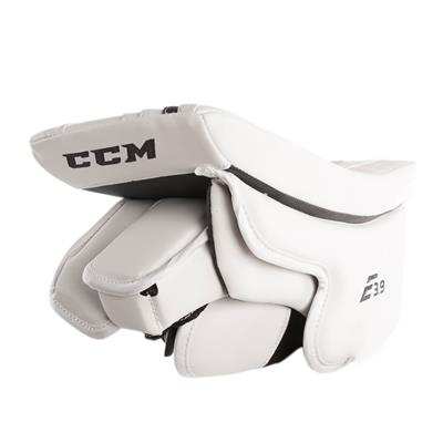 (CCM Extreme Flex E3.9 Goalie Blocker)
