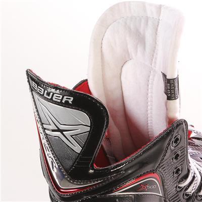 S17 Vapor X500 Ice Skate - Tongue Shot (Bauer Vapor X500 Ice Hockey Skates - 2017 - Junior)