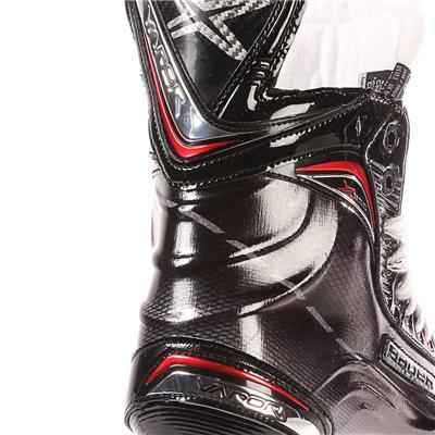 S17 Vapor X900 Ice Skate - Heel Close up (Bauer Vapor X900 Ice Hockey Skates - 2017 - Senior)