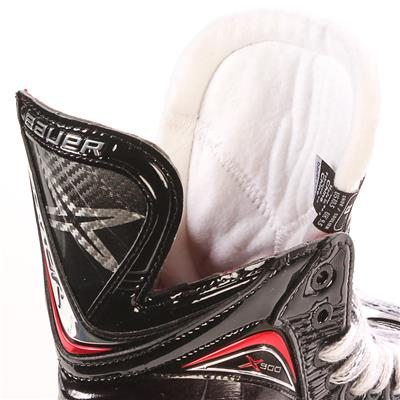 S17 Vapor X900 Ice Skate - Tongue Shot (Bauer Vapor X900 Ice Hockey Skates - 2017)