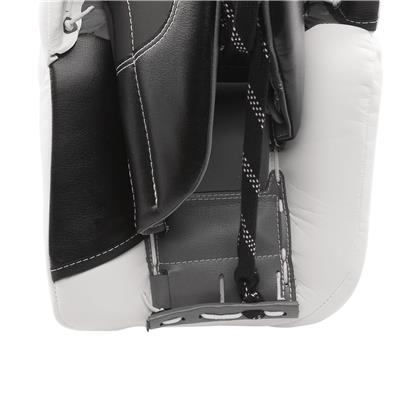 Back View - Toe Channel (Warrior Ritual GT Classic Leg Pads)