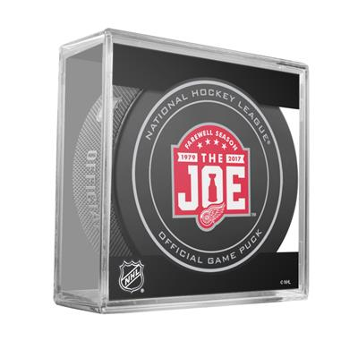 (Sher-Wood NHL Official Game Puck - Detroit Red Wings)