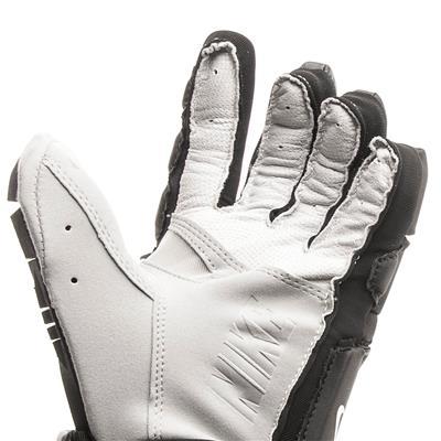 Palm View (Nike Vapor Elite Field Gloves)