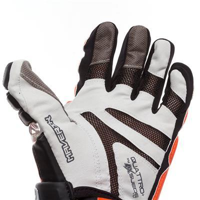 (Maverik M4 Custom Glove)