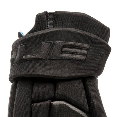 (TRUE X-Core Black Hockey Gloves - Junior)