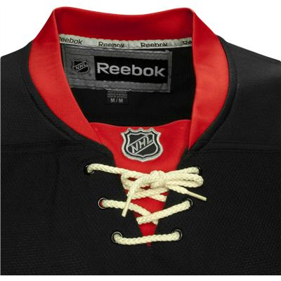 Collar (Reebok Chicago Blackhawks Premier Jersey)