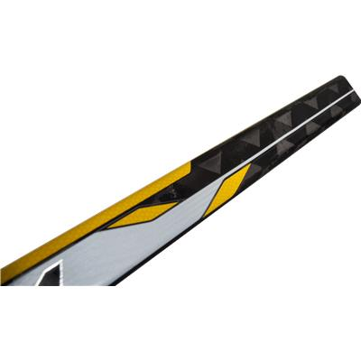 Top Of Shaft (CCM Tacks 5052 Grip Composite Hockey Stick - Intermediate)