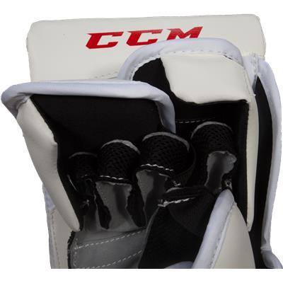 Nose View (CCM Extreme Flex II 760 Goalie Blocker)