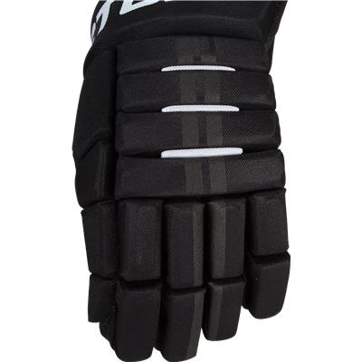 Backhand View (Easton Pro 7 Gloves)