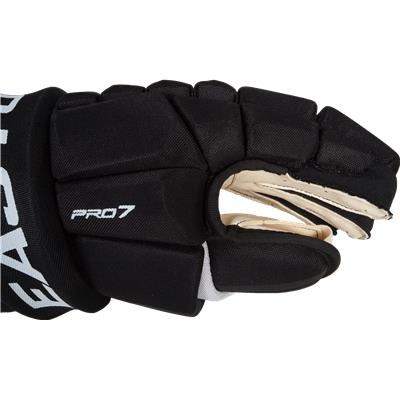 Thumb Side View (Easton Pro 7 Gloves)