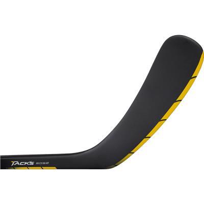 Forehand View (CCM Tacks 6052 Grip Composite Stick)