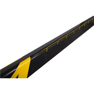 Mid Shaft (CCM Tacks 4052 Grip Composite Hockey Stick)