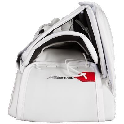 (Vaughn Velocity 7 XR Pro Carbon Goalie Blocker)