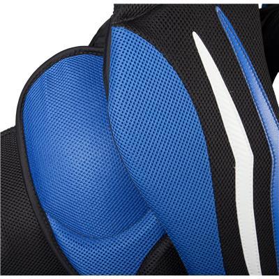 (Vaughn Velocity 7 XR Pro Carbon Goalie Chest & Arm Protector)