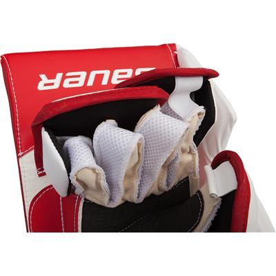 (Bauer Supreme S190 Goalie Blocker)