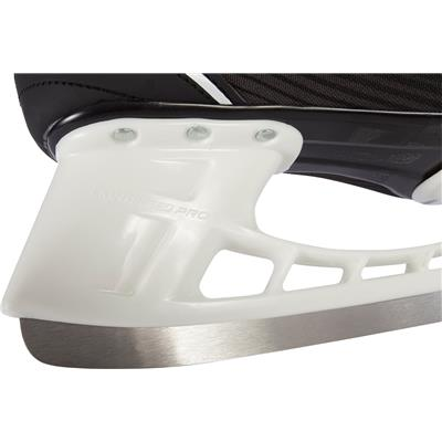 (Bauer Supreme S140 Ice Skates)
